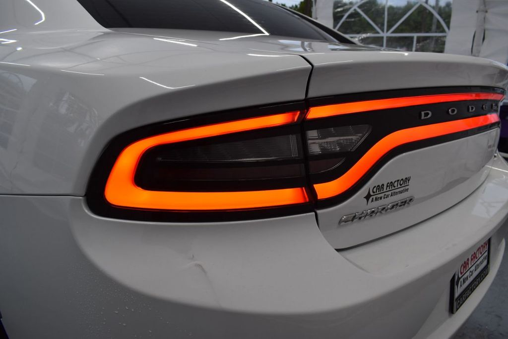 2016 Dodge Charger 4dr Sedan SXT RWD - 18359541 - 6