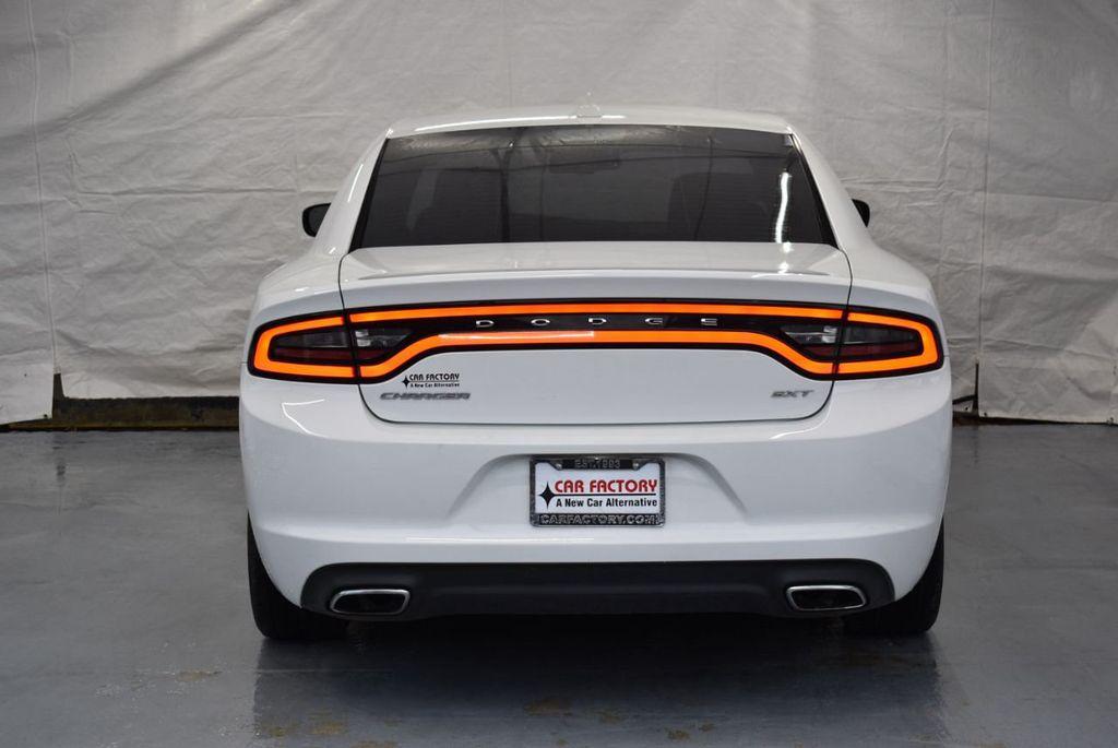 2016 Dodge Charger 4dr Sedan SXT RWD - 18359541 - 7