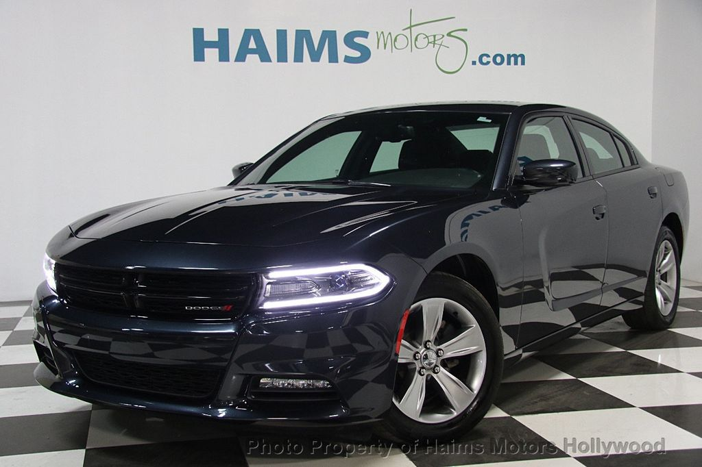 2016 Dodge Charger 4dr Sedan SXT RWD   16243703
