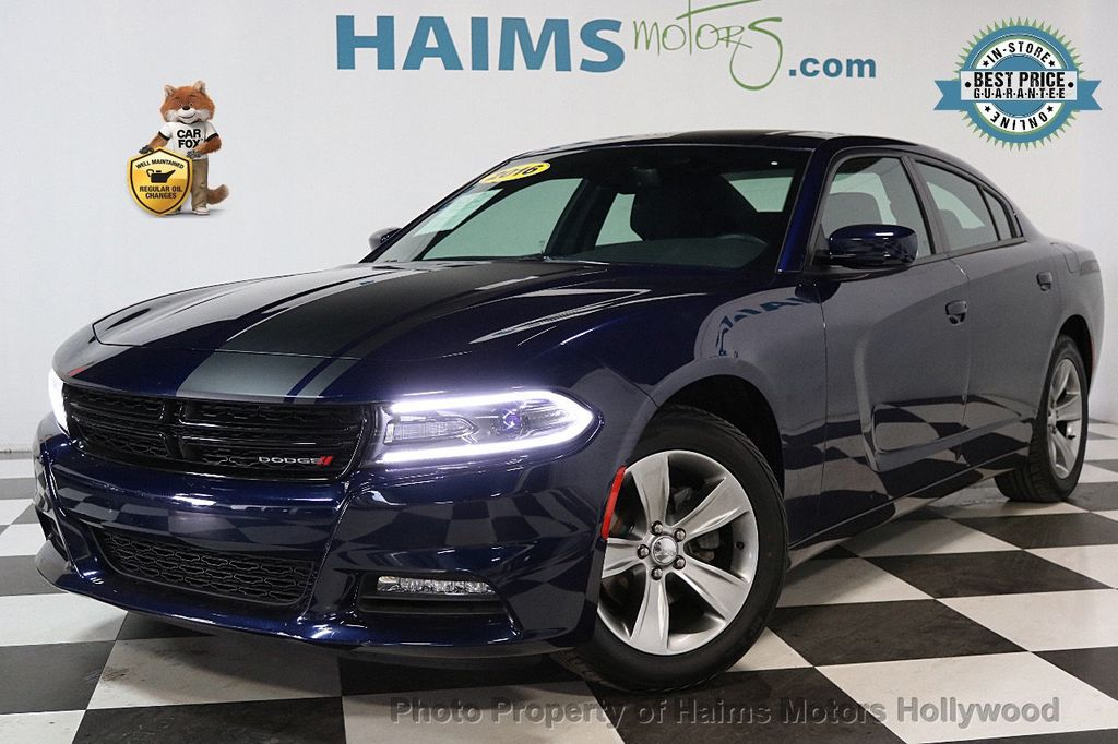 2016 Dodge Charger 4dr Sedan SXT RWD - 17286236 - 0