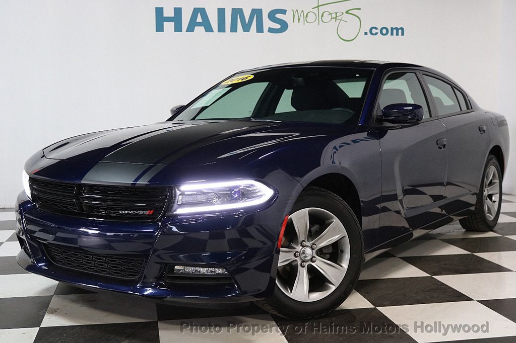 2016 Dodge Charger 4dr Sedan SXT RWD - 17286236 - 1