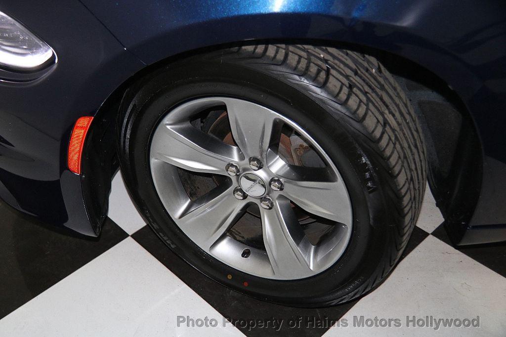 2016 Dodge Charger 4dr Sedan SXT RWD - 17286236 - 30