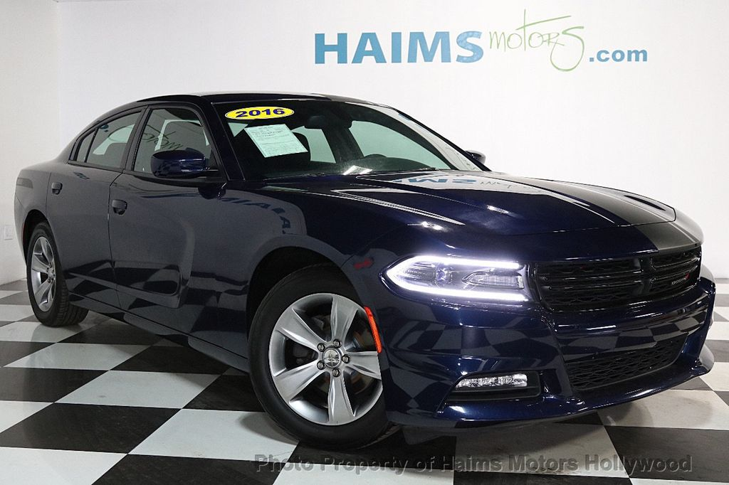 2016 Dodge Charger 4dr Sedan SXT RWD - 17286236 - 3