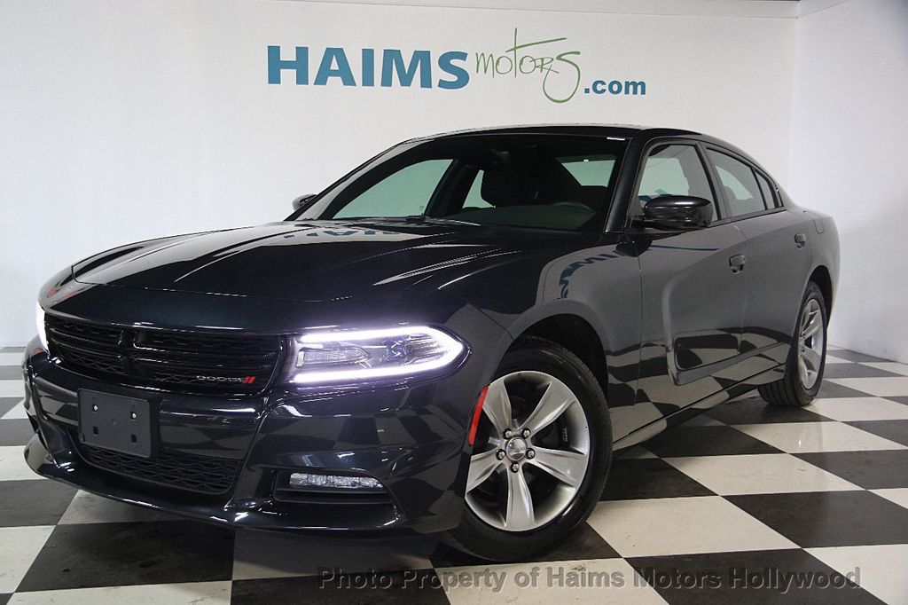 2016 Dodge Charger 4dr Sedan SXT RWD - 17316613 - 1