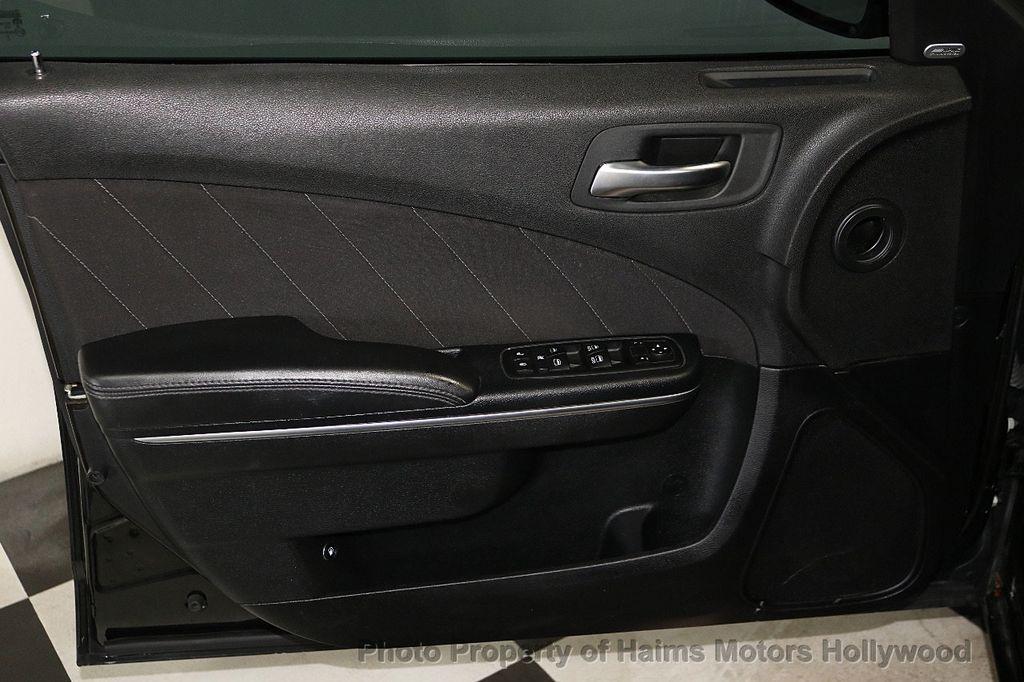 2016 Dodge Charger 4dr Sedan SXT RWD - 18588539 - 9