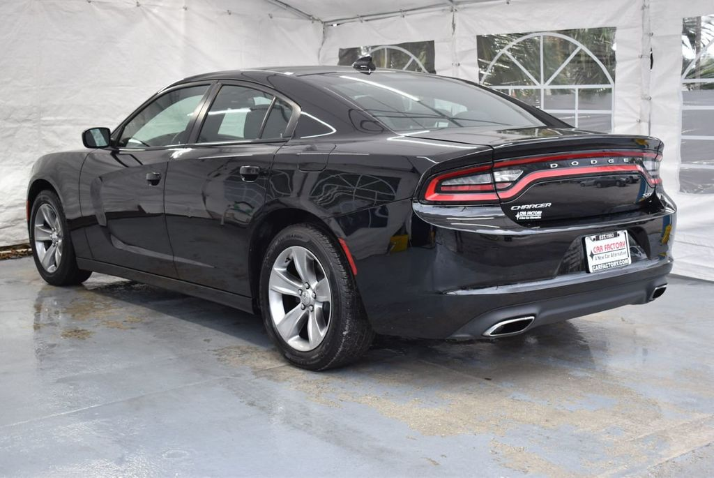 2016 Dodge Charger 4dr Sedan SXT RWD - 18365120 - 5