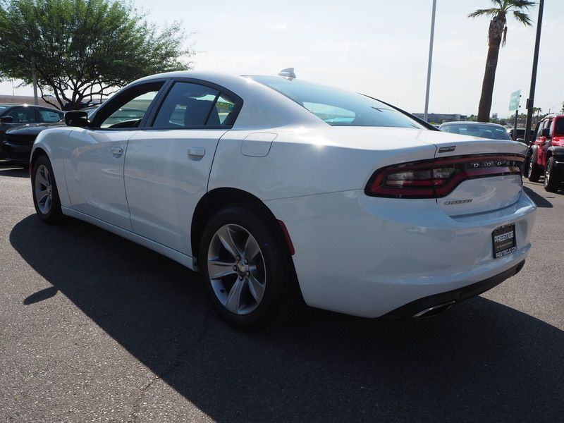 2016 Dodge Charger 4dr Sedan SXT RWD - 17765535 - 9