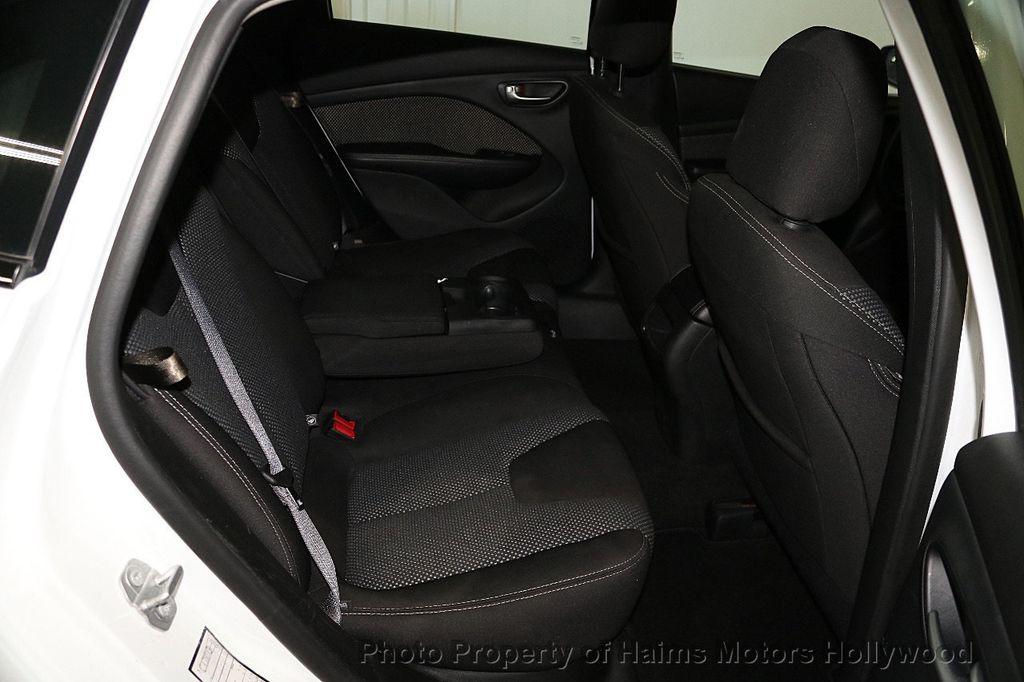 2016 Dodge Dart 4dr Sedan SXT - 17471170 - 15