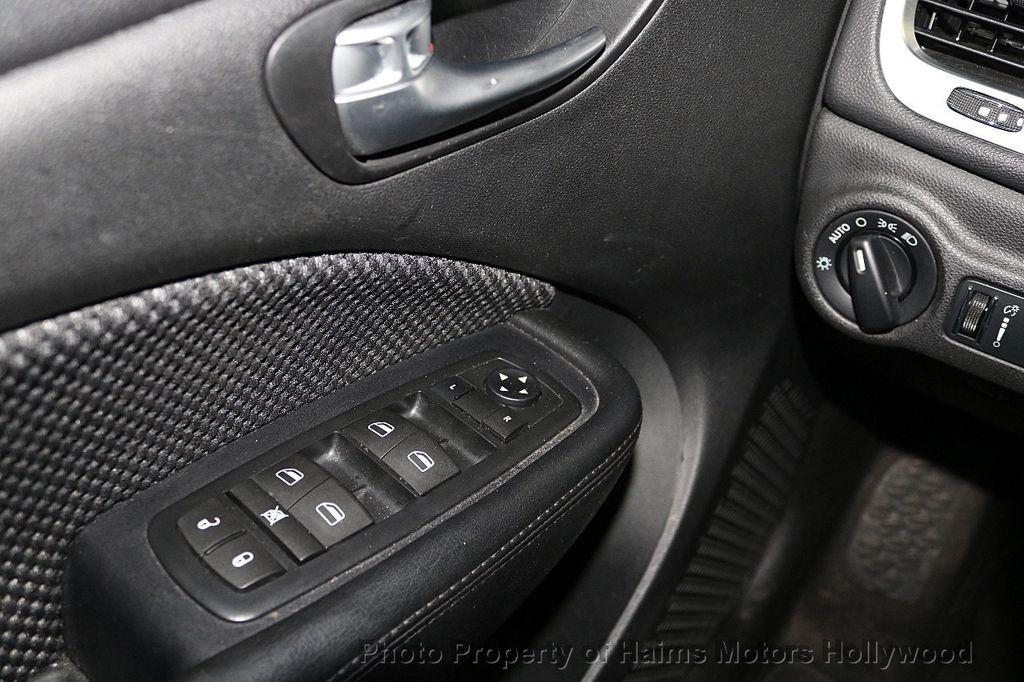 2016 Dodge Dart 4dr Sedan SXT - 17471170 - 23