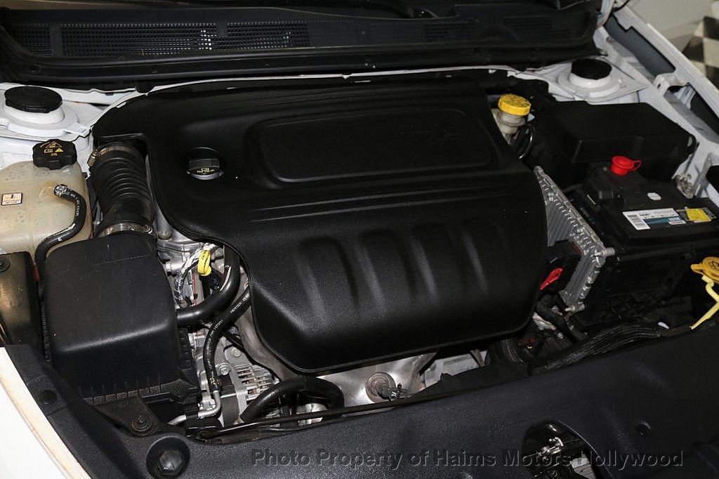 2016 Dodge Dart 4dr Sedan SXT - 17471170 - 30