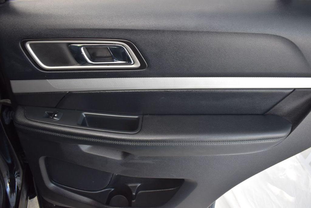 2016 Ford Explorer FWD 4dr XLT - 18497652 - 19