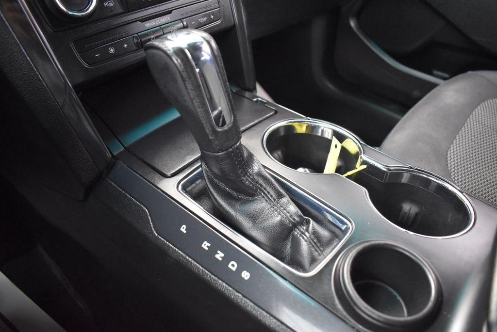 2016 Ford Explorer FWD 4dr XLT - 18497652 - 26