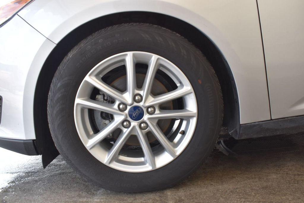 2016 Ford Focus 4dr Sedan SE - 16885733 - 11