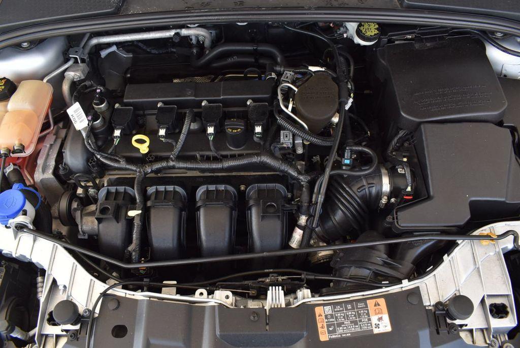 2016 Ford Focus 4dr Sedan SE - 16885733 - 26