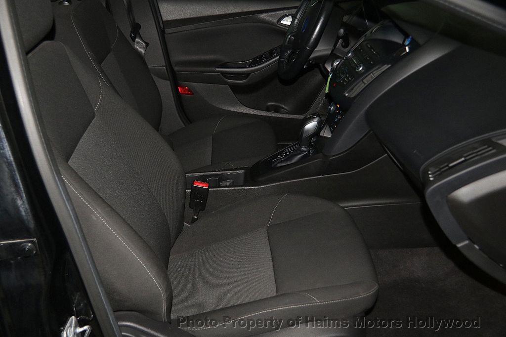 2016 Ford Focus 4dr Sedan SE - 17165133 - 14