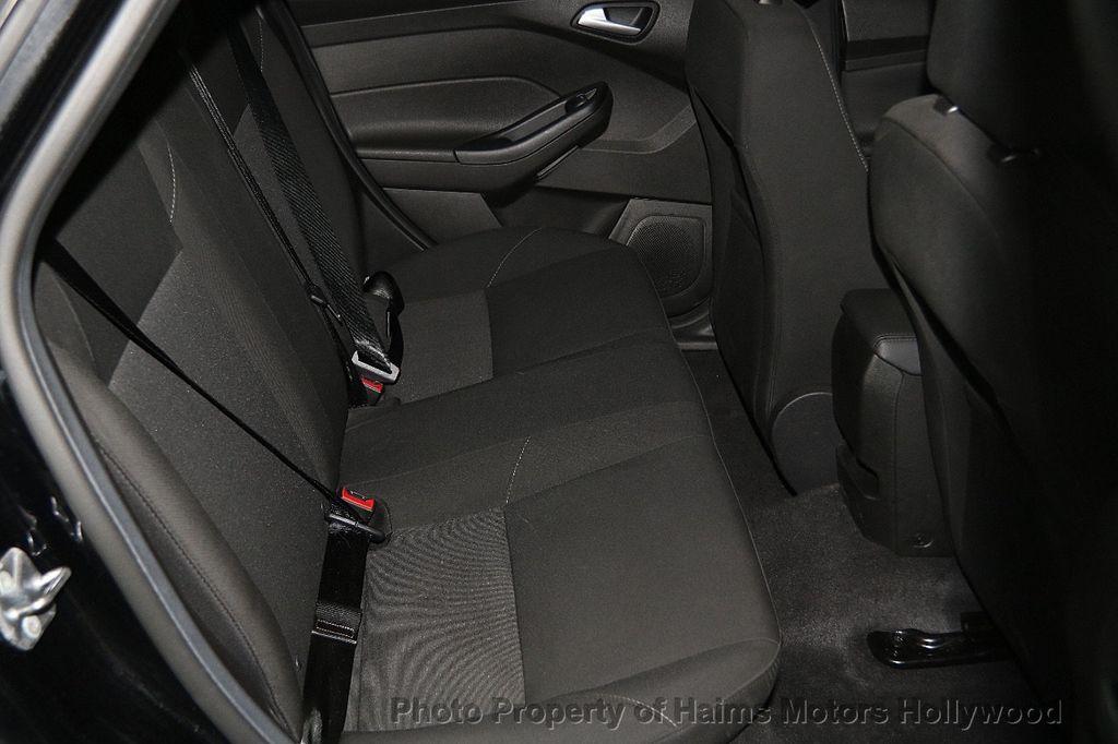 2016 Ford Focus 4dr Sedan SE - 17165133 - 15