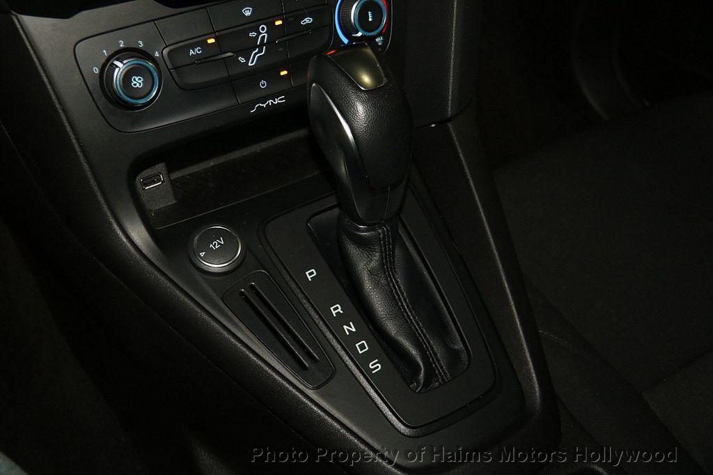 2016 Ford Focus 4dr Sedan SE - 17165133 - 22