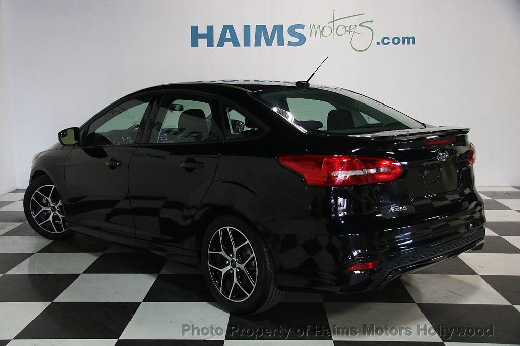 2016 Ford Focus 4dr Sedan SE - 17165133 - 4