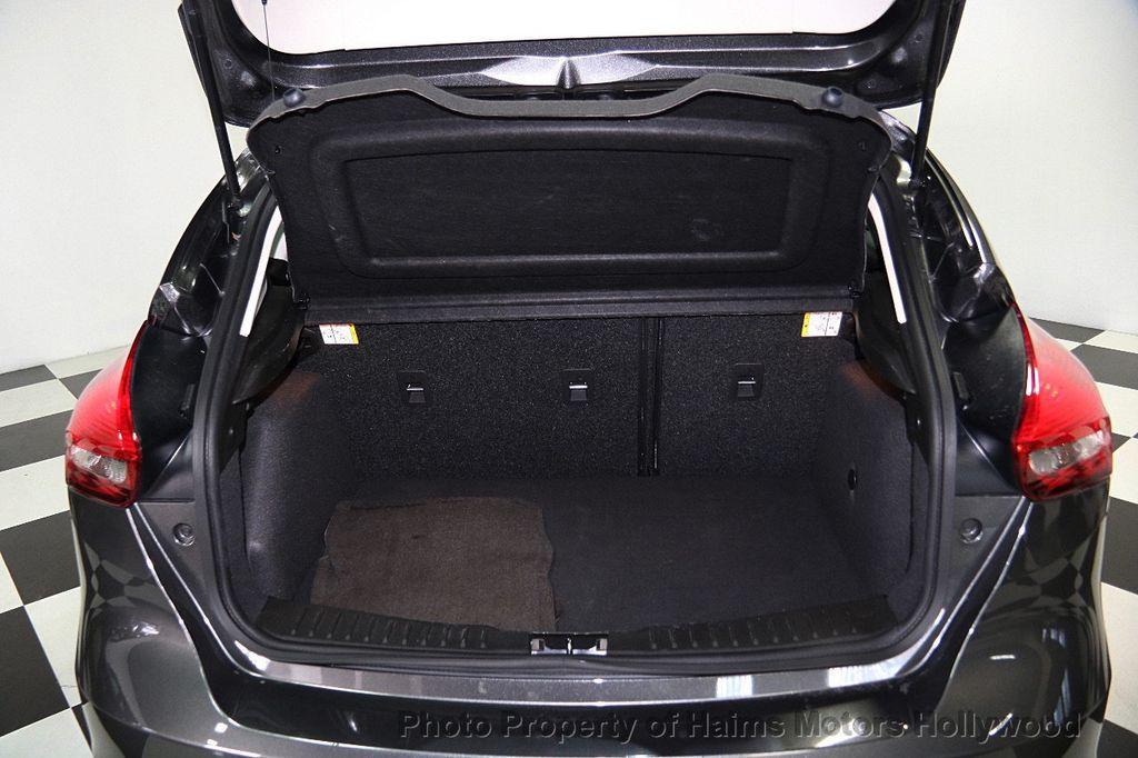 2016 used ford focus 5dr hatchback se at haims motors ft. Black Bedroom Furniture Sets. Home Design Ideas