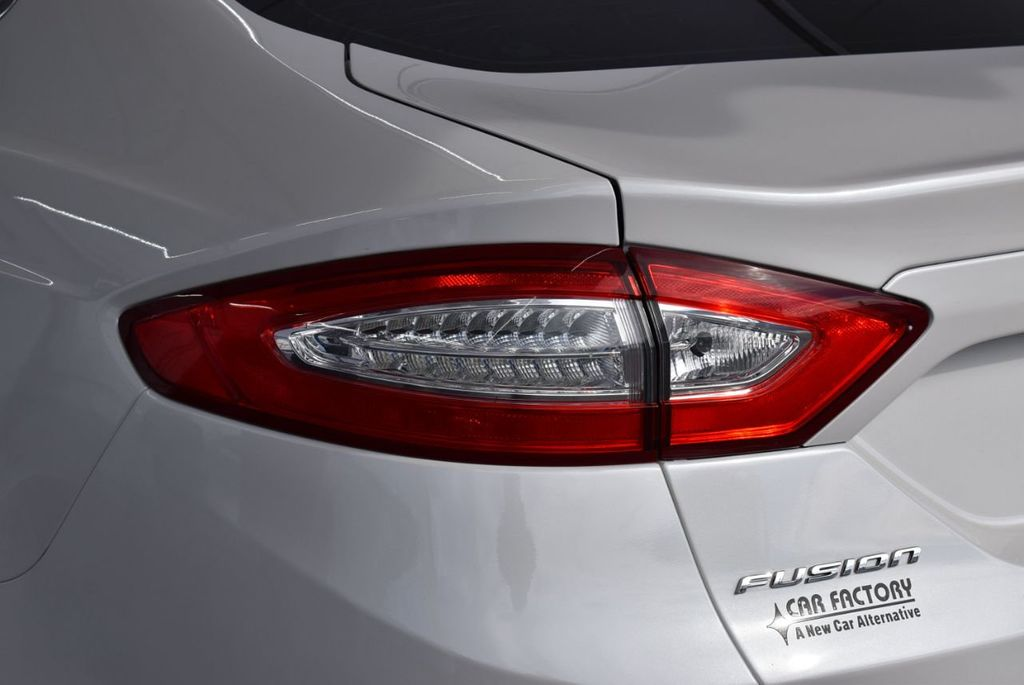 2016 Ford Fusion 4dr Sedan SE FWD - 17875144 - 4