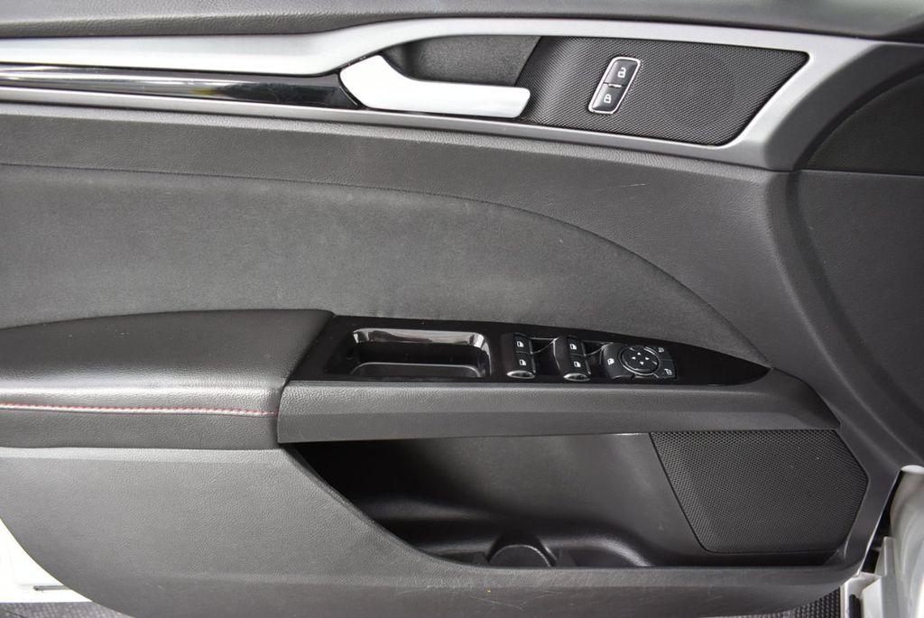 2016 Ford Fusion 4dr Sedan SE FWD - 18574892 - 12