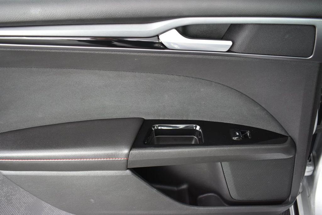 2016 Ford Fusion 4dr Sedan SE FWD - 18574892 - 14