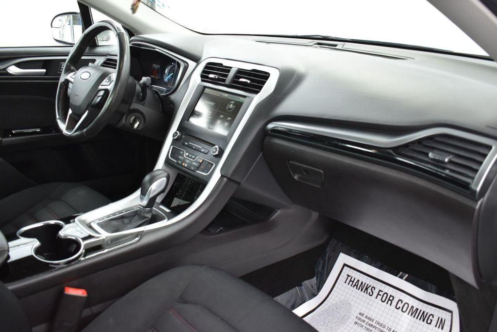 2016 Ford Fusion 4dr Sedan SE FWD - 18574892 - 15