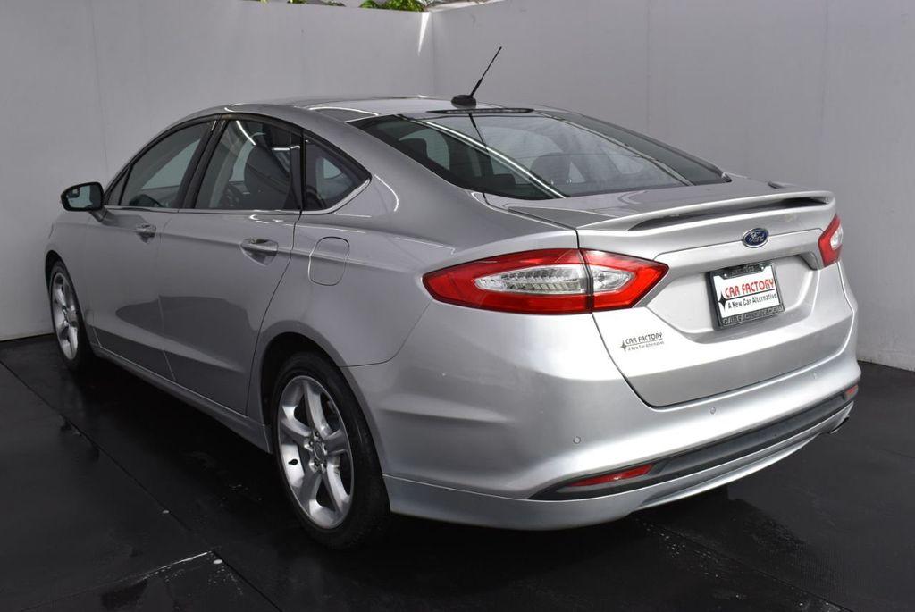 2016 Ford Fusion 4dr Sedan SE FWD - 18574892 - 3