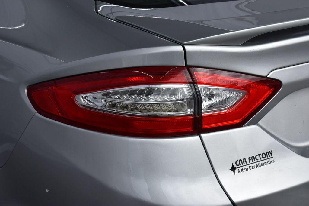 2016 Ford Fusion 4dr Sedan SE FWD - 18574892 - 4