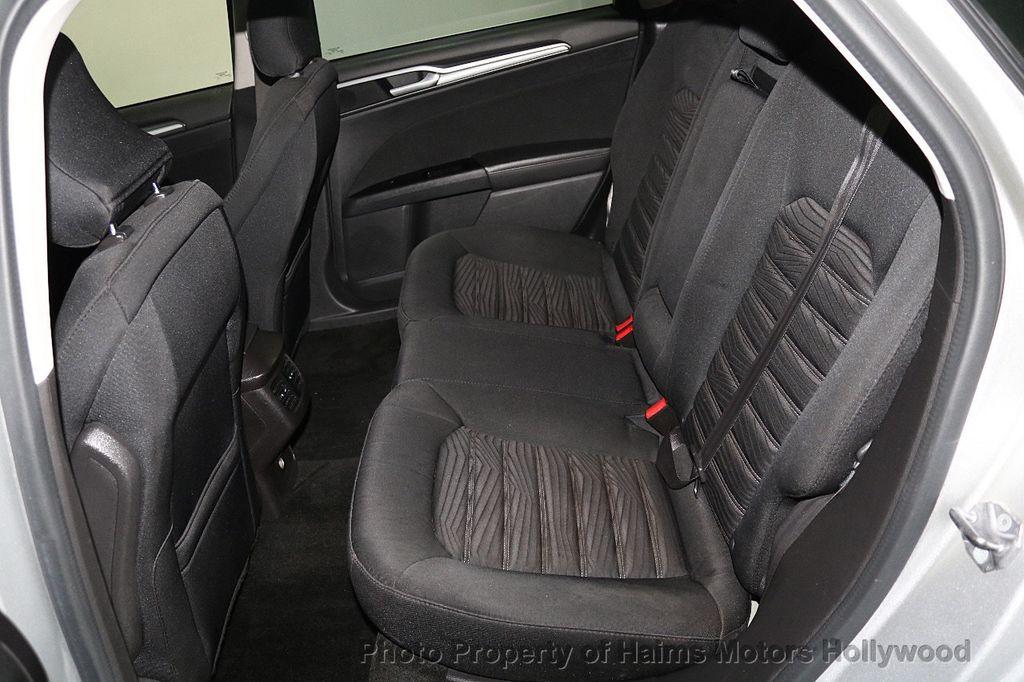 2016 Ford Fusion 4dr Sedan SE FWD - 17858486 - 15