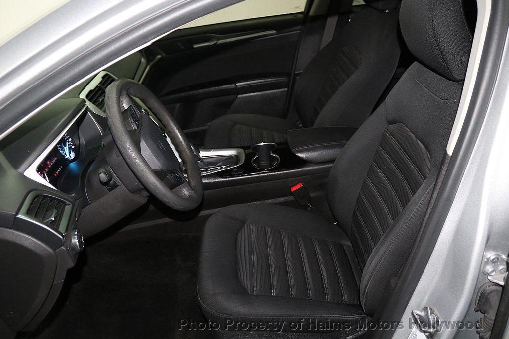 2016 Ford Fusion 4dr Sedan SE FWD - 17858486 - 16