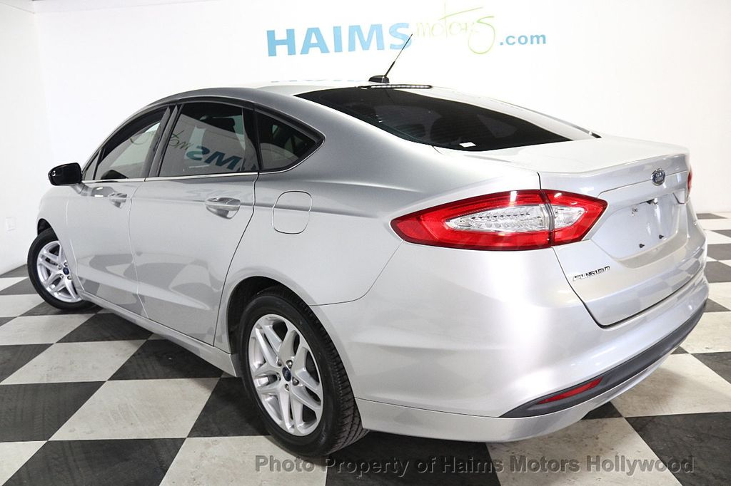 2016 Ford Fusion 4dr Sedan SE FWD - 17858486 - 4