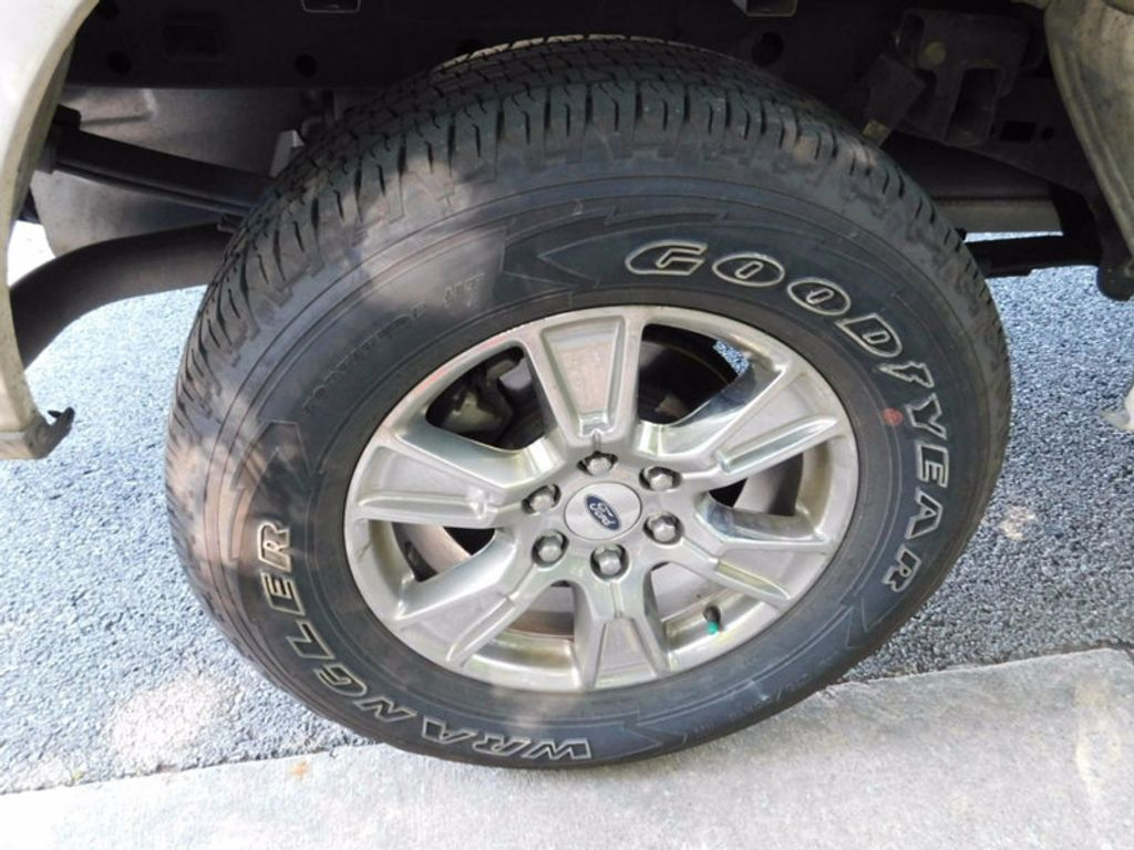 "2016 Ford F-150 4WD SuperCrew 145"" XLT - 16680854 - 6"