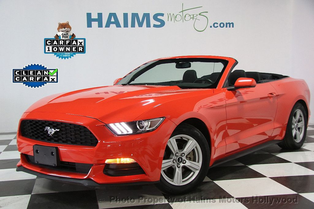 2016 Ford Mustang 2dr Convertible V6 - 16725634 - 0