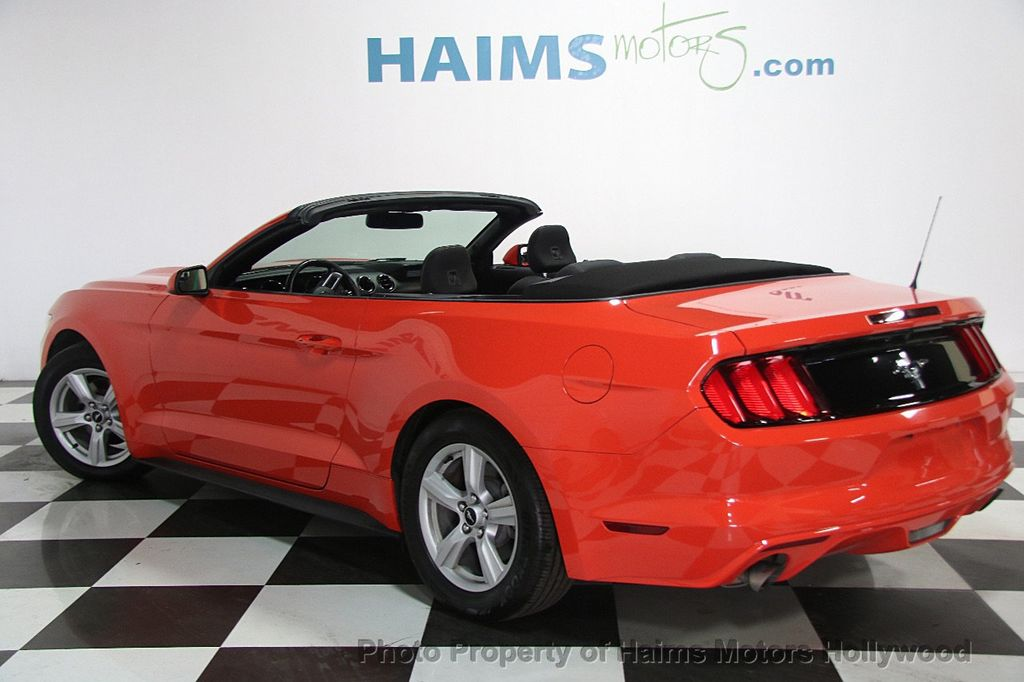 2016 Ford Mustang 2dr Convertible V6 - 16725634 - 4