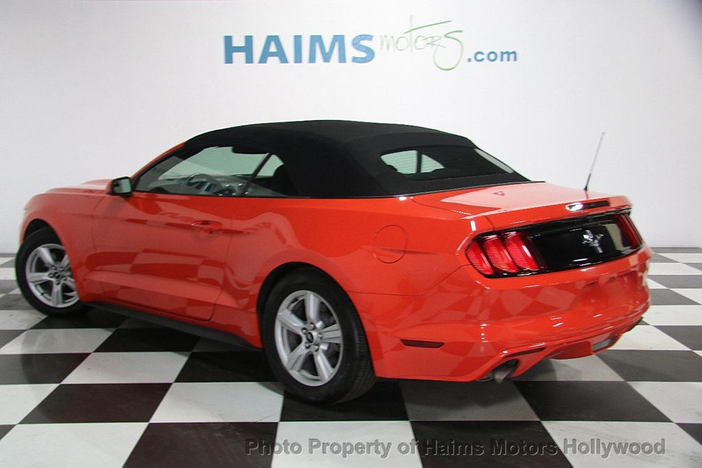 2016 Ford Mustang 2dr Convertible V6 - 16725634 - 8