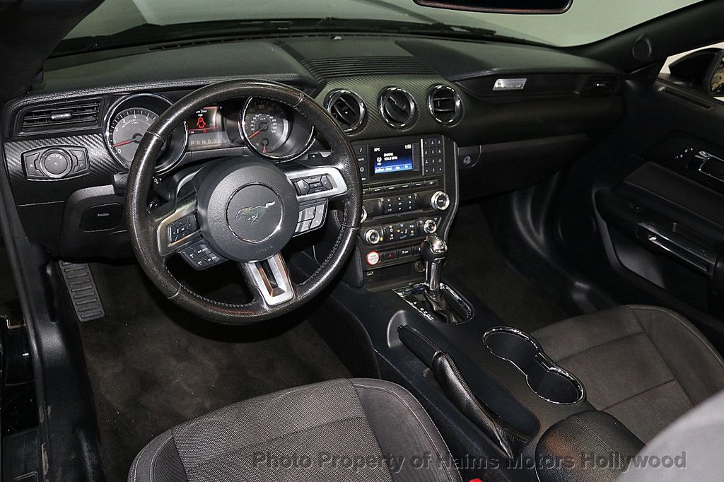 2016 Ford Mustang 2dr Convertible V6 - 18373622 - 16