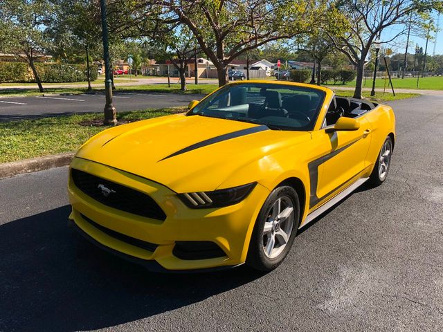 2016 used ford mustang 2dr convertible v6 at a luxury autos serving miramar fl iid 17207790. Black Bedroom Furniture Sets. Home Design Ideas