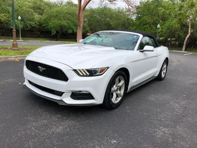 2016 Ford Mustang 2dr Convertible V6
