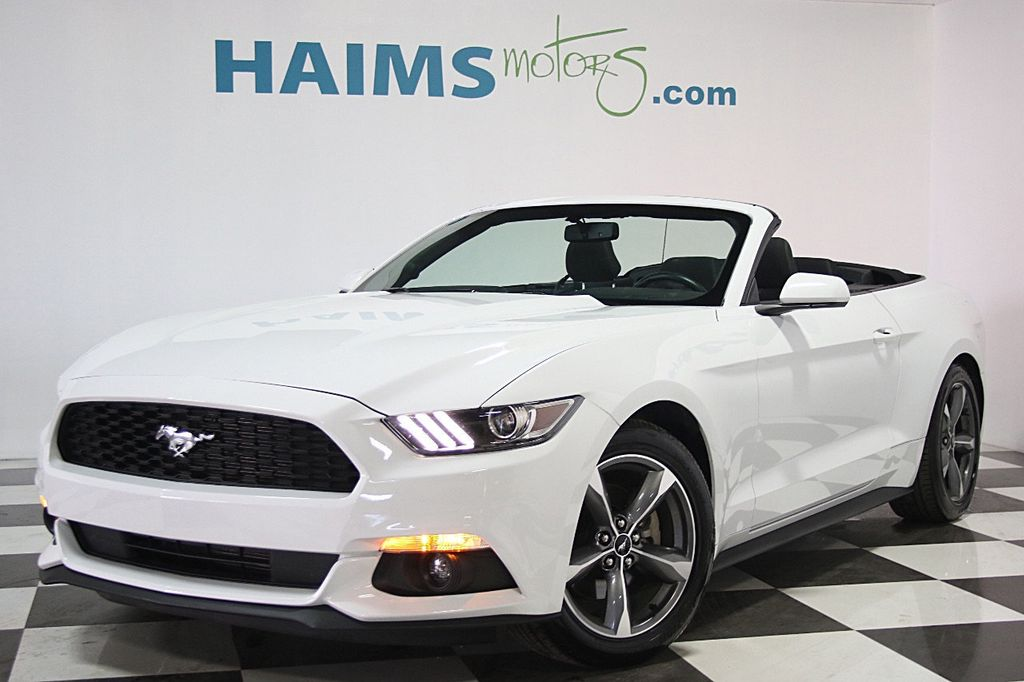 2016 Ford Mustang 2dr Convertible V6 - 16097915 - 0