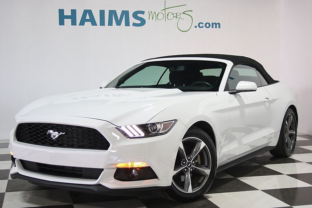 2016 Ford Mustang 2dr Convertible V6 - 16097915 - 3
