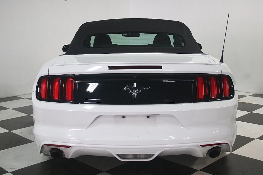 2016 Ford Mustang 2dr Convertible V6 - 16097915 - 5