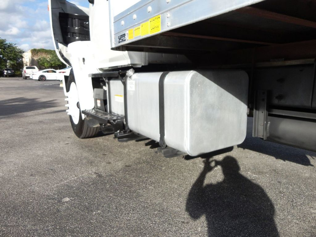 2016 HINO 268A 26FT DRY BOX TRUCK . CARGO TRUCK WITH LIFTGATE - 18388526 - 19
