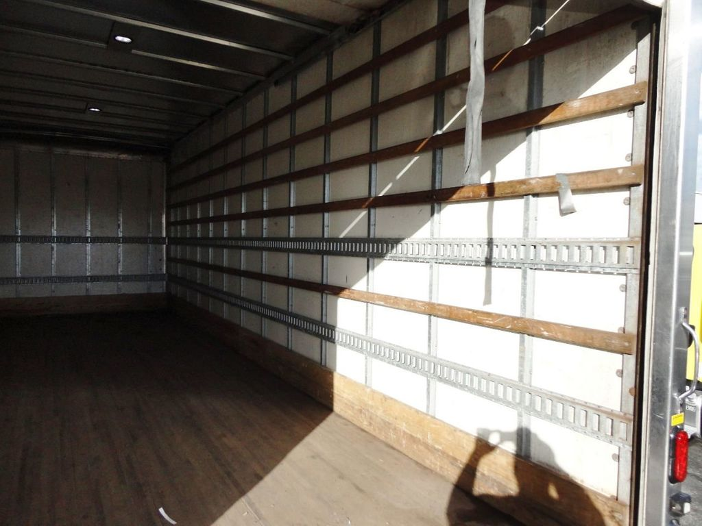 2016 HINO 268A 26FT DRY BOX TRUCK . CARGO TRUCK WITH LIFTGATE - 18388526 - 25