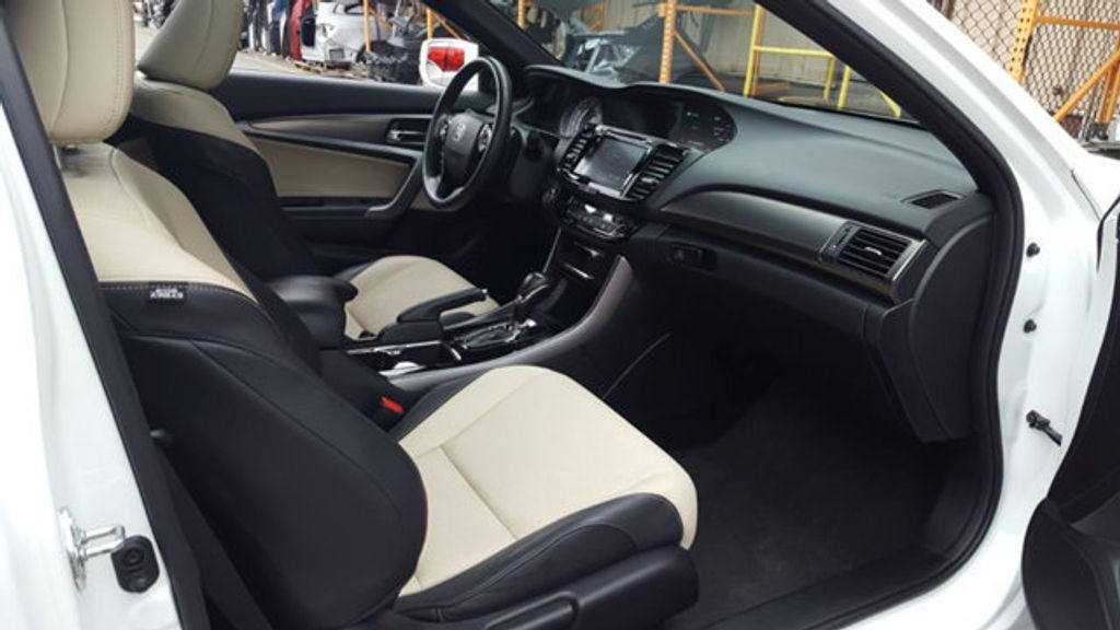 2016 Honda Accord Coupe EX-L - 18295766 - 9
