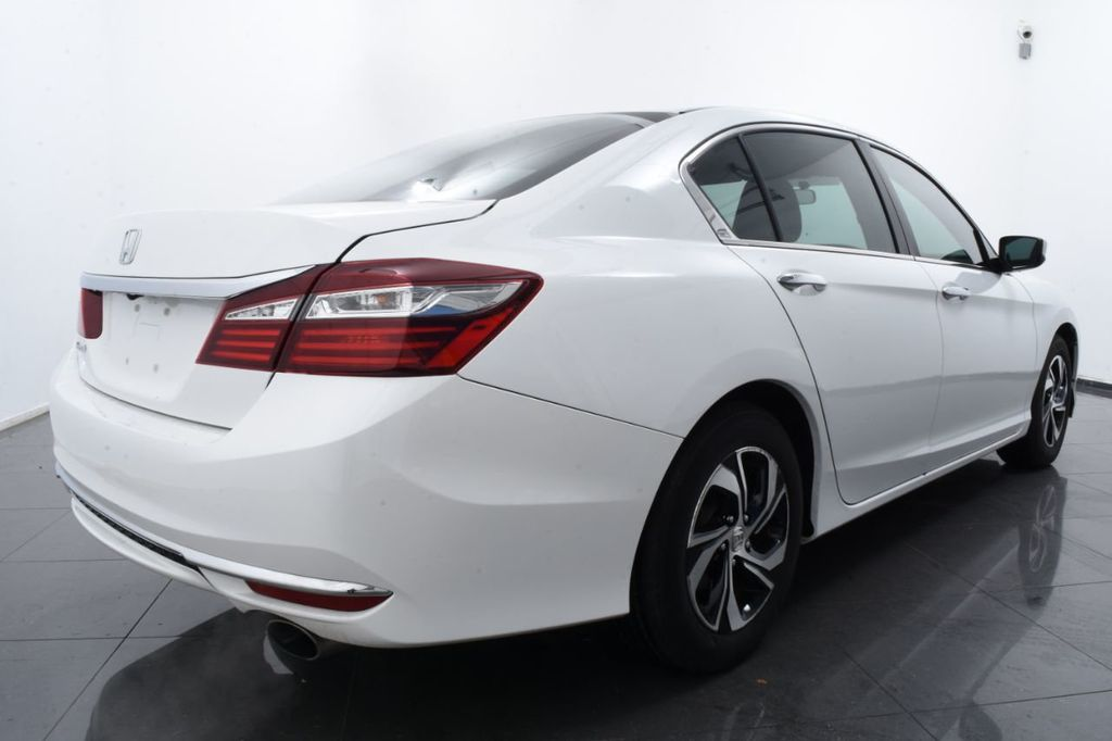 2016 Honda Accord Sedan 4dr I4 CVT LX - 18383038 - 9