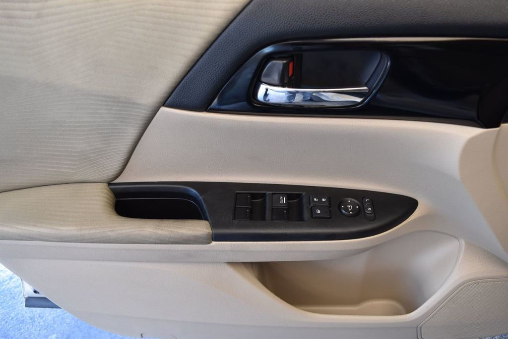 2016 Honda Accord Sedan 4dr I4 CVT LX - 18010725 - 13