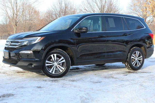 2016 Honda Pilot EXL LEATHER NAVIGATION MOONROOF  3RD ROW SEATING - Click to see full-size photo viewer