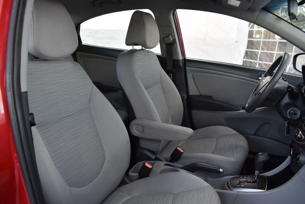 2016 Hyundai Accent 4dr Sedan Automatic SE - 18302904 - 22