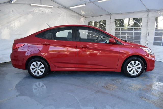 2016 Hyundai Accent 4dr Sedan Automatic Se 18302904 2